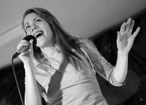 Janin singt